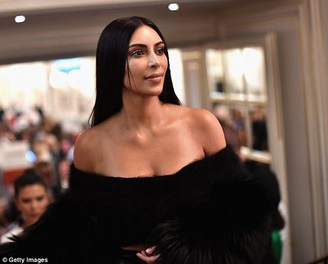 Pham Bang Bang, Kim Kardashian goi cam day me hoac - Anh 6