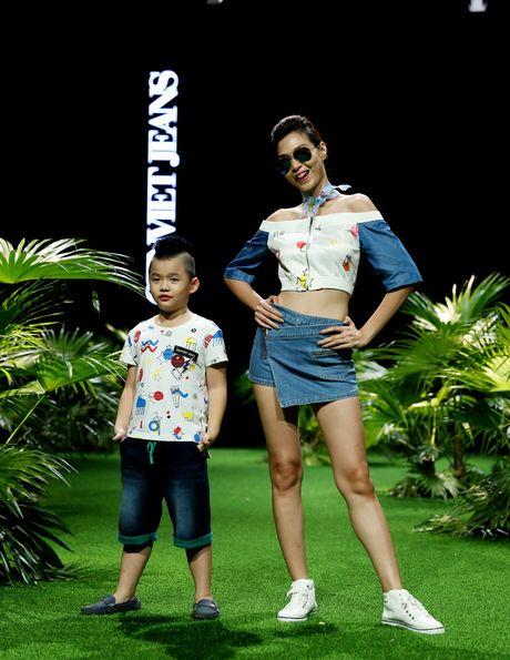 Vietnam Fashion Week: Xanh muot xuan he chau A nhiet doi moi - Anh 3