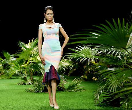 Vietnam Fashion Week: Xanh muot xuan he chau A nhiet doi moi - Anh 7
