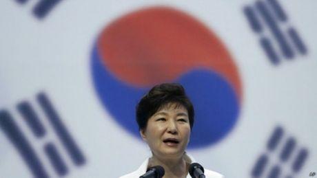 Tong thong Park Geun-hye keu goi nguoi Trieu Tien vuot bien - Anh 1