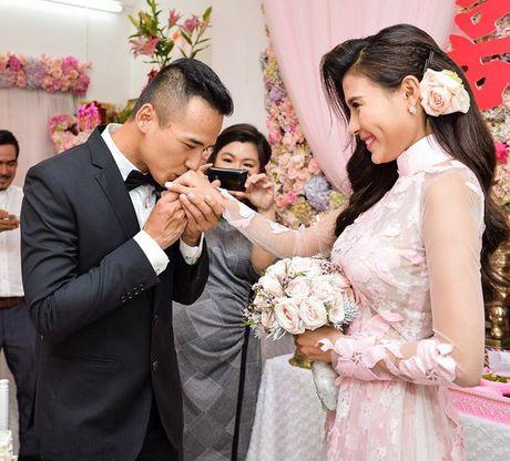 Mot nam nen duyen chong vo, cuoc song cua Luong The Thanh va Thuy Diem van man nong nhu mo - Anh 1