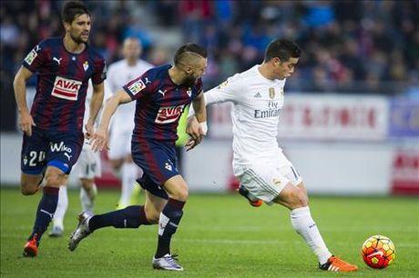 Real Madrid vs Eibar (21h15 ngay 2/10): Ken ken giai toa noi niem - Anh 3