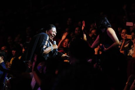 Boney M va Chris Norman lam 4.000 khan gia Ha Noi bat khoi ghe - Anh 4