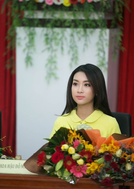 Tan Hoa hau My Linh xinh dep ruc ro, 'ket doi' cung Duc Tuan trong du an quang ba du lich - Anh 3