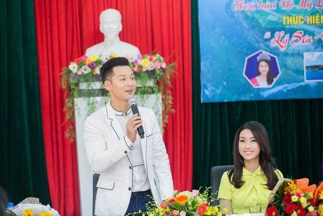 Tan Hoa hau My Linh xinh dep ruc ro, 'ket doi' cung Duc Tuan trong du an quang ba du lich - Anh 5