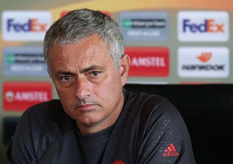 Mourinho cho doi 'nhan to bi an' giup MU vuot qua kho khan - Anh 7