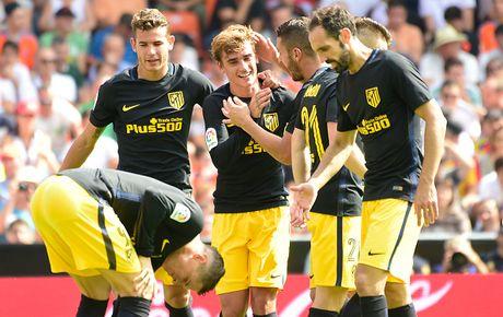 Atletico thang Valencia du da hong 2 qua phat den - Anh 8