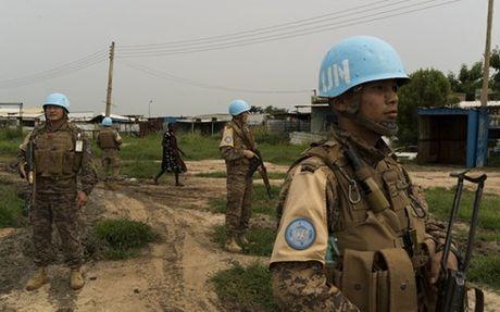 Xa sung vao xe khach tai Nam Sudan, 9 nguoi chet - Anh 1
