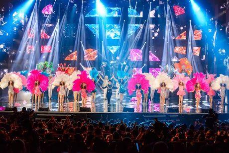 Choang ngop 'Sieu show kim cuong' nua trieu USD cua Dam Vinh Hung - Anh 4