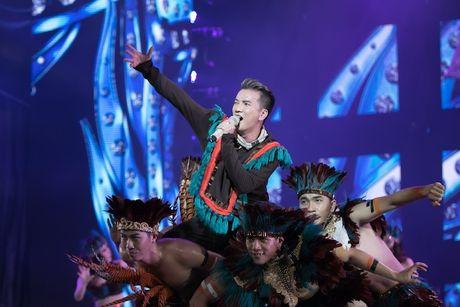 Choang ngop 'Sieu show kim cuong' nua trieu USD cua Dam Vinh Hung - Anh 5