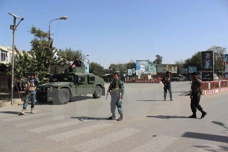 Phien quan Taliban mo cuoc tan cong lon o mien Nam Afghanistan - Anh 1