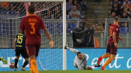 That bai truoc Roma, Inter ngam ngui nhin doi thu lot vao top 3 - Anh 1