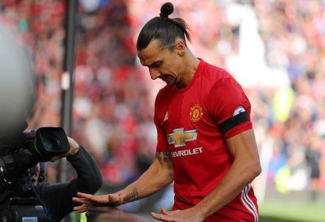 Nhin Ibra, Mourinho co dam tan nhan? - Anh 3