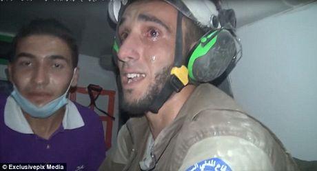 Khoanh khac cuu be so sinh khoi dong do nat o Syria - Anh 6