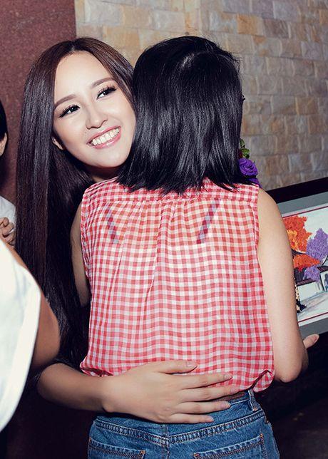 Mai Phuong Thuy tu tin do sac cung A hau Thuy Dung - Anh 11