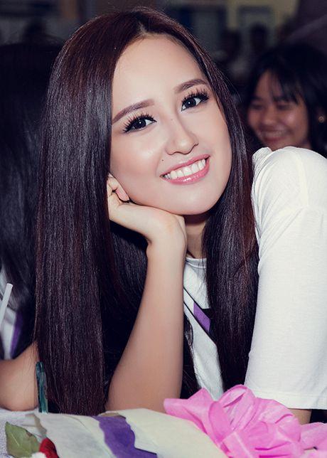 Mai Phuong Thuy tu tin do sac cung A hau Thuy Dung - Anh 4