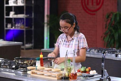 Vua dau bep nhi 2016 tap 1: 3 guong mat dau tien buoc vao Vong Kitchen - Anh 13