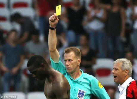 Balotelli lan dau bi duoi o Ligue 1 - Anh 1