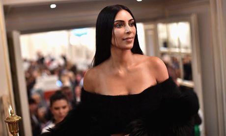 Kim Kardashian bi chia sung vao dau giua dem khuya tai Paris - Anh 2