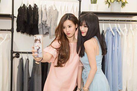 Sao Viet 3/10: Cadie khoe vai voi dam Lo Lem, Huong Giang lo chan xuong xau - Anh 5