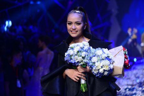 Ngoc Chau dang quang Next Top vi co nguoi 'don duong'? - Anh 1