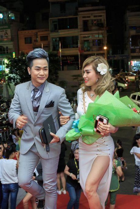 Quach Tuan Du lan dau cong khai ban gai doanh nhan - Anh 1