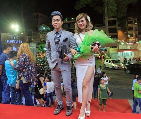 Quach Tuan Du lan dau cong khai ban gai doanh nhan - Anh 4