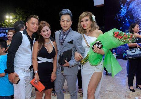 Quach Tuan Du lan dau cong khai ban gai doanh nhan - Anh 8
