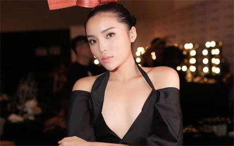 Hoa hau Ha Kieu Anh hanh phuc ben chong va 4 con sau gan 10 nam ngay cuoi - Anh 11