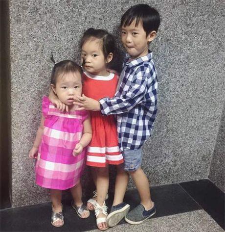 Hoa hau Ha Kieu Anh hanh phuc ben chong va 4 con sau gan 10 nam ngay cuoi - Anh 13
