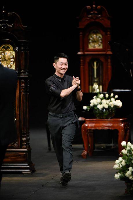 Tuan le thoi trang Xuan he 2017: Noi thoi gian lang dong trong khong gian day chat tho - Anh 10