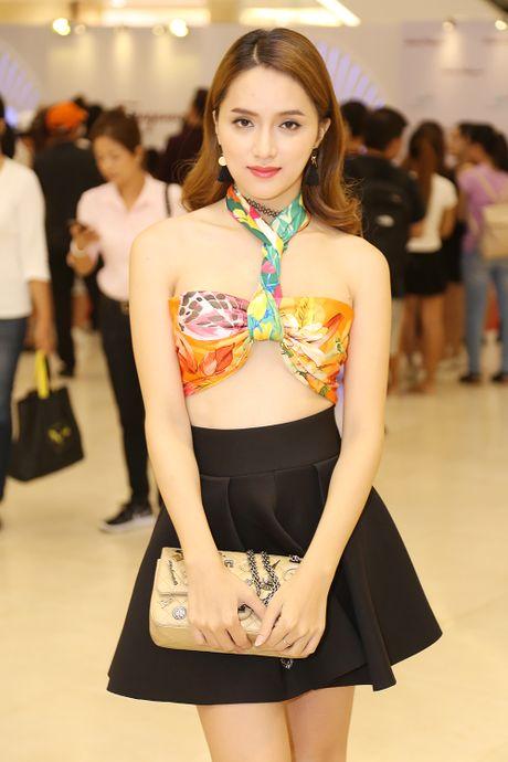 Huong Giang Idol tao bao dung khan lam ao - Anh 3