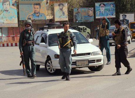 Chien su Syria: Phien quan Taiban tan cong du doi vao Kunduz cua Afghanistan - Anh 1