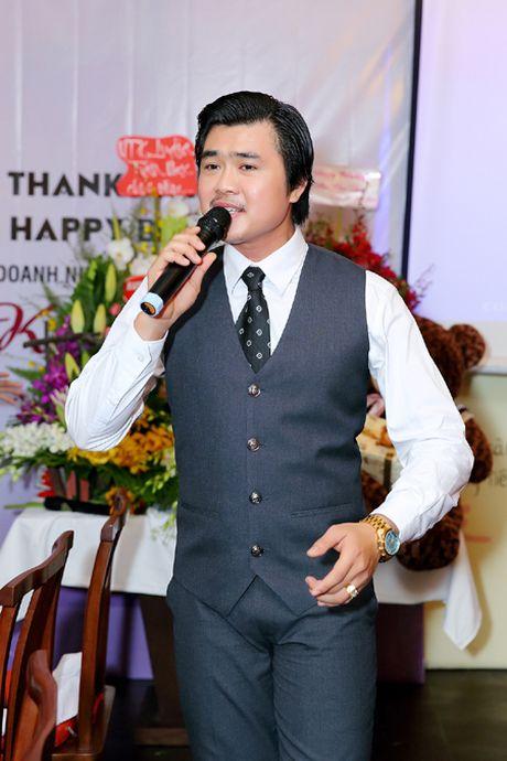 Hoa hau Kim Thoa rang ngoi trong tiec mung sinh nhat - Anh 2