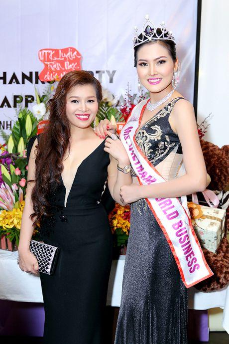 Hoa hau Kim Thoa rang ngoi trong tiec mung sinh nhat - Anh 4
