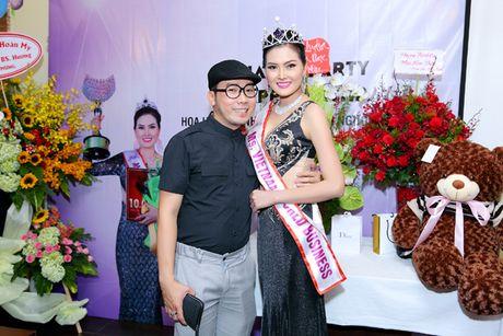 Hoa hau Kim Thoa rang ngoi trong tiec mung sinh nhat - Anh 7