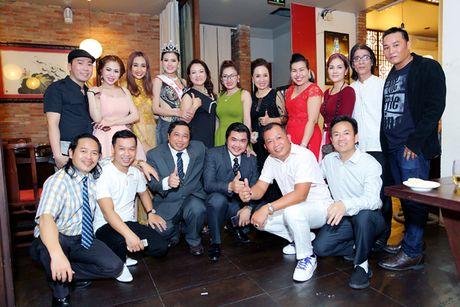 Hoa hau Kim Thoa rang ngoi trong tiec mung sinh nhat - Anh 9