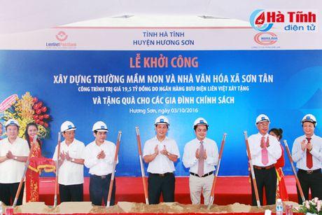 Lien Viet Post Bank tai tro 19,5 ty xay dung ha tang xa Son Tan - Anh 1