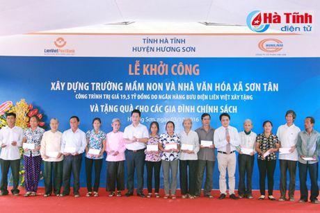 Lien Viet Post Bank tai tro 19,5 ty xay dung ha tang xa Son Tan - Anh 4