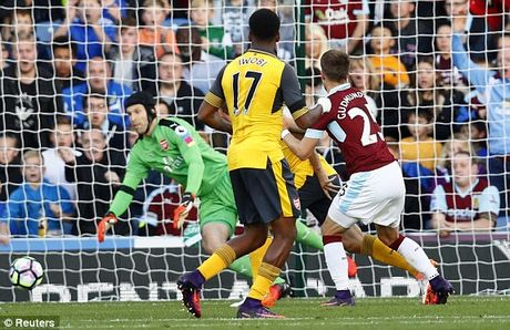 Ghi ban o giay cuoi cung, Arsenal nhoc nhan gianh 3 diem truoc Burnley - Anh 3