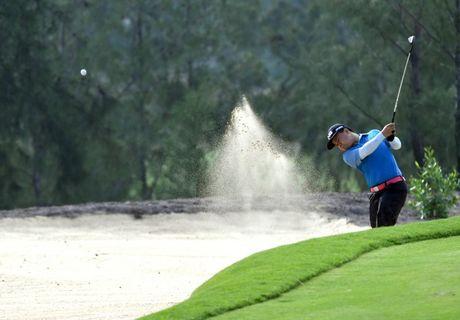 "An tuong ""vo tien khoang hau"" tai giai FLC Golf Championship 2016 - Anh 6"