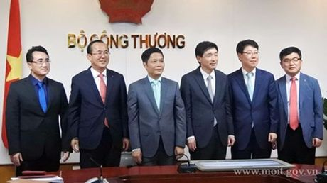 Bo truong Tran Tuan Anh tiep Dai su dac menh toan quyen Dai Han Dan Quoc tai Viet Nam - Anh 2