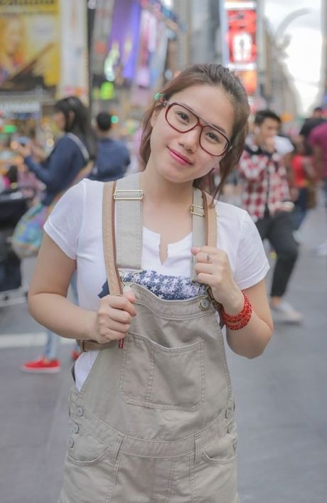 Thuy Chi da thay doi den the nay khien nguoi ham mo phai 'ngo ngang' - Anh 3