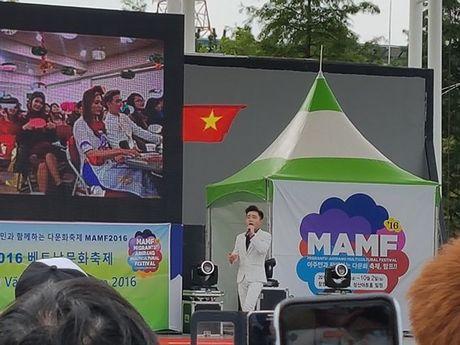 Thay tro Dan Truong - Trung Quang duoc chao don nong nhiet o Han Quoc - Anh 7