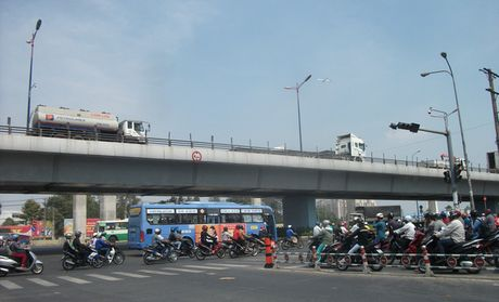 Can canh ha tang giao thong khu Dong Sai Gon - Anh 13