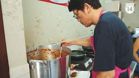 Sai Gon: Hang mi Y 'chat luong 5 sao' gia chi 25k cua nguoi bep truong bi liet nua nguoi - Anh 9