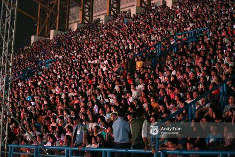 15.000 khan gia phu kin SVD Quan khu 7, bung chay cung liveshow dang cap cua Dong Nhi - Anh 13