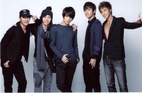 Danh sach boygroup da va dang thong linh Kpop gay tranh cai - Anh 2