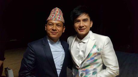 Thay tro Dan Truong ghi dau an o Asian Pops Music 2016 - Anh 2