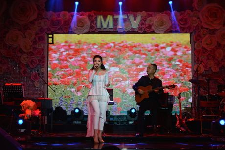 Hien Thuc thang hoa trong dem nhac acoustic - Anh 3
